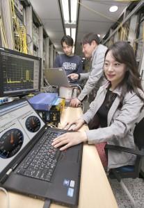 KT가 100기가급 광전송 솔루션을 개발했다