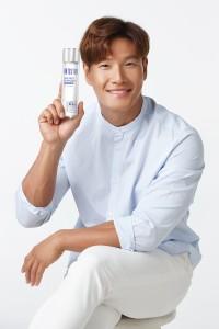 BRTC가 전속모델 김종국의 브랜드 광고 컷을 공개했다