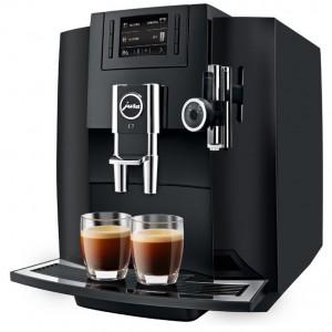 유라가 20일 롯데홈쇼핑에서 가정용 커피머신 E7의 렌탈 3차 생방송을 실시한다