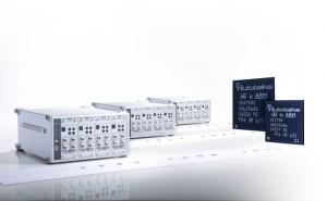 안리쓰가 개발한 MT8870A Universal Wireless Test Set