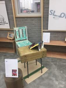 김태중 작가의 의자와 테이블