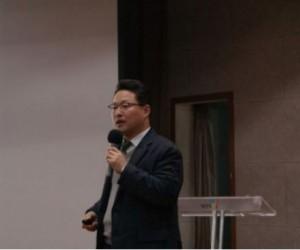 13일 남양주시청 다산홀에서 사회적 경제, 사회적 가치, 사회책임조달 강의를 진행하고 있는 브릿지협동조합 배성기 이사장