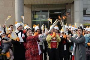 2018 평창동계올림픽 성화가 15일 충북 옥천군 다문화가족지원센터를 방문했다