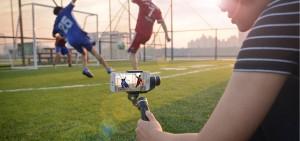 생활 방수 짐벌 페이유 SPG 짐벌은 폭 55-80mm, 무게 230그램 이하 스마트폰을 장착해 사용할 수 있으며 전용 한글 앱을 다운 받으면 줌인아웃 및 페이스 트래킹 기능을 이용할 수 있다