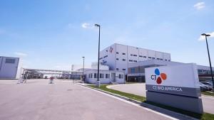 CJ제일제당은 미국 아이오와 공장에 총 5000만불을 투자해 사료용 아미노산 쓰레오닌의 신규 생산라인을 구축한다