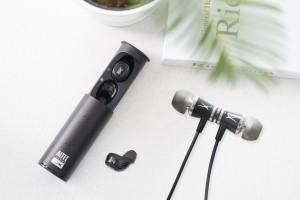 알텍랜싱이 블루투스 이어폰·헤드폰 신제품 3종 국내 출시한다. 사진은 알텍랜싱 블루투스이어폰 신제품 FREE와 NODS