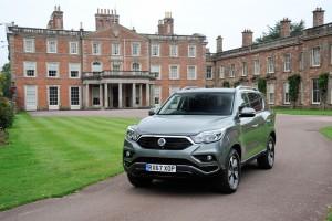 SUV G4 렉스턴이 영국에서 올해의 사륜구동 자동차에 선정됐다. 사진은 영국에서 판매 중인 G4 렉스턴