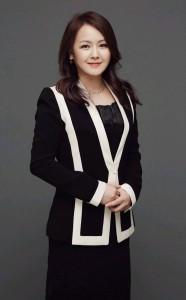 크로스오버 보컬리스트 김정이 KBS 아침마당을 통해 신곡 평화아리랑을 공개했다