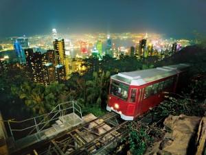 CJ월디스가 10일 오쇼핑 플러스에서 홍콩 홈쇼핑 방송을 진행한다. 사진은 홍콩 트램 야경