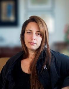현대자동차의 후원으로 영국의 현대미술관 테이트 모던에서 개최되는 현대 커미션의 2018년 전시 작가로 쿠바 출신 타니아 브루게라가 선정됐다