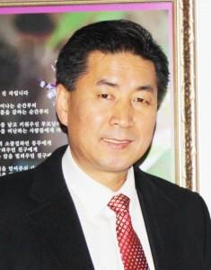 한국문인협회 은평지부 회장으로 당선된 도서출판 문학공원 대표 김순진 시인