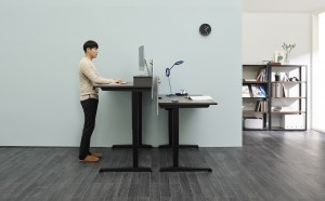 한샘이 출시한 전동 높이조절 책상 플러스 모션데스크