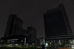 21일 저녁 지구촌 전등끄기 캠페인을 실시하고 있는 소등된 수원 삼성 디지털시티 전경