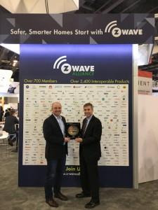 Vivint Smart Home이 1억번째로 생산된 Z-Wave 모듈을 받은 업체로 선정되었다