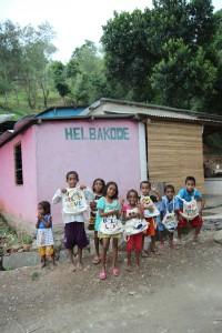 통티모르 만레우 마을에 전달한 에코백 페인팅 캠페인 완성품