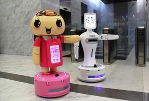 롯데제과의 인공지능 로봇 쵸니봇·스윗봇