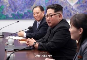 평화의 집 2층 회담장에서 발언하는 김정은 국무위원장