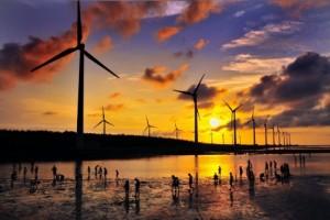 대만 가오메이 습지의 대만전력공사 풍력발전기