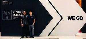 소프트뱅크 벤처스 포럼에서 ObEN의 공동창립자인 Adam Zheng과 Nikhil Jain