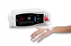 PVi®, SpHb® 측정 기능과 RD rainbow SET™ 센서를 장착한 마시모 Radical-7®