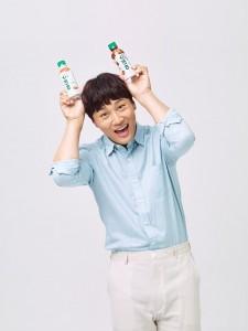 코카-콜라사의 새로운 씨앗 음료 브랜드 아데스와 배우 차태현이 함께한 광고 촬영 현장