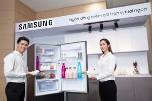 삼성전자가 베트남 호치민에 위치한 가전복합단지에서 상냉장·하냉동 냉장고 신제품을 출시하고 빠르게 성장하는 동남아 프리미엄 냉장고 시장을 공략한다