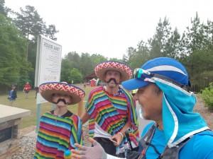 워크앤런이 주최하는 시니어 이색복장 숲 속 걷기 행사