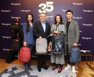 타거스의 미켈 윌리엄스 CEO(좌측 두번째)가 타거스 2019 Collections와 함께 포즈를 취하고 있다