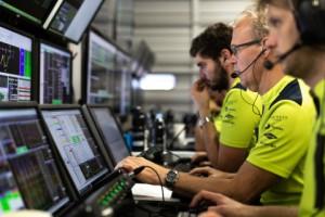 스파이런트와 애스턴 마틴 레이싱과의 기술 제휴로 FIAWEC 행사에서 팀의 고속 LAN 테스트 및 설치 시간이 크게 단축되었다