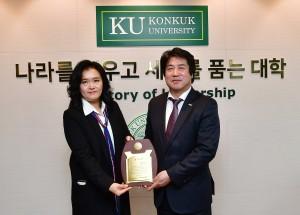 잠실종합동물병원 성지희 원장(왼쪽)