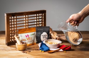 Sanmaru一杯饭锅巴. 韩国的由务农人共同成立的农业法人Sanmaru推出用大米制成的锅巴健康食品进军全球市场。锅巴是用米饭制作的韩国传统食品。