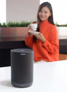LG전자가 스피커 본연의 고음질 구현은 물론 구글 어시스턴트 기능까지 탑재된 LG 엑스붐 AI 씽큐를 국내에 출시한다