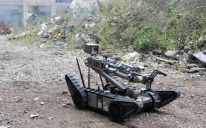 플리어가 엔데버 로보틱스를 인수하기 위한 최종 계약을 체결했다. 전장에서 입증 된 PackBot® 4000대가 2002년부터 군에 의해 사용되어 도로변 폭탄을 차단하고 급조폭발물을 제거하며 전장에서 다른 위험한 임무를 수행하고 있다
