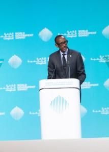 무한한 가능성. 폴 카가메 르완다 대통령은 두바이 세계정부정상회의에서 아프리카가 하나의 통일 대륙이 됨으로써 잠재력을 완전히 발휘할 수 있다고 연설했다