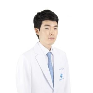 하남 미사강변지구 눈꽃피부과의원 피부과 전문의 최정휘 원장