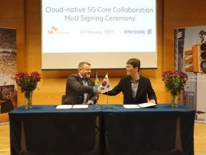 칼 요한 킬리우스(Karl-Johan Killius) Ericsson PDU 패킷코어 총괄(왼), 박중건 SK 텔레콤 5GX Labs CN개발팀장(우)