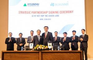 현대엘리베이터가 베트남 호아빈 건설 그룹과 전략적 제휴를 체결했다