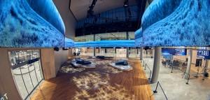 핀란드 헬싱키 반타 공항의 삼성전자 스마트 LED 사이니지