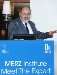 멀츠코리아 'MERZ INSTITUTE, MEET THE EXPERT'에서 발표 중인 마이클 마틴 박사