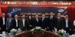 베트남 하노이 비엣텔 그룹 본사에서 이주완 메가존 클라우드 대표, 따오 득 탕(Tào Đức Thắng) 비엣텔 그룹 부사장과 관계자들이 전략적 업무협약 체결 후 기념 촬영을 하고 있다