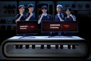 e스포츠 전문기업 T1의 리그오브레전드 e스포츠 팀 선수들이 삼성 게이밍 모니터 오디세이를 소개하고 있다