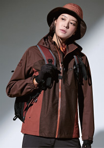 레드페이스 콘트라 엑스 멜란 파워 우먼 재킷 모델 착용