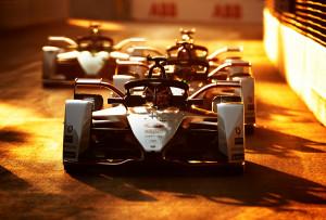 ABB FIA 포뮬러 E 월드챔피언십 시즌 7 개막전이 사우디아라비아에서 열리는 야간 경주로 시작한다
