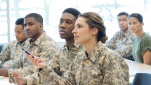 위성통신 분야 군 전문가들이 훈련에 참여했다