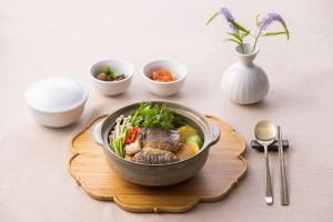 호텔 서울드래곤시티가 무더운 여름철 원기 회복하기 위한 보양식을 출시한다