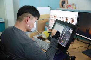 콘텐츠산업 청년 일자리 리쇼어링 프로젝트를 통해 투니토리에 입사한 박진영 작가