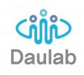 다울랩 Logo
