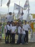 지난 9월 10일 SAS코리아 직원들이 통일전망대를 찾아, SAS9의 중요성을 고취하기 위해 깃발을 꽂고 있다.