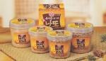 오뚜기가 콩을 주원료로 한 건강식인'100% 우리콩으로 만든 낫또 5종(생낫또, 낫또분말 2종, 낫또 알갱이 2종)'을 출시했다.