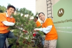 모토로라 글로벌 사회 봉사의 날(Global Day of Service)을 맞아 '학교 나무 울타리 만들기' 캠페인에 참여한 모토로라코리아 직원들이 삼성농아원을